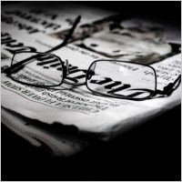 newspapers_and_glasses_206177